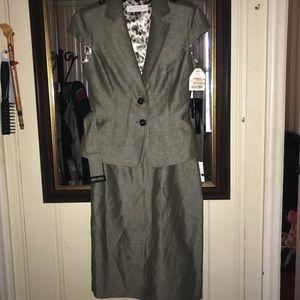 NWT Tahari Blazer and Skirt Set